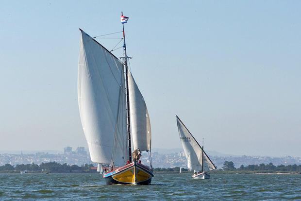 Embarcações na Baía do Seixal