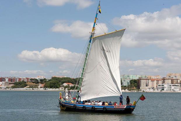 Passeios embarcações tradicionais