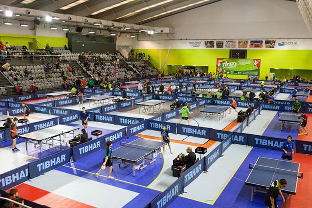 Torneio de ténis de mesa no Pavilhão Municipal da Torre da Marinha