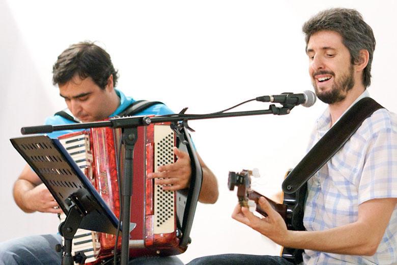 João da Ilha – voz, guitarra acústica | Nuno Carpinteiro – acordeão