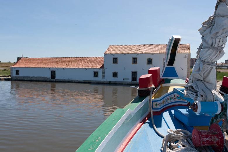 Embarcação no Moinho de Maré de Corroios
