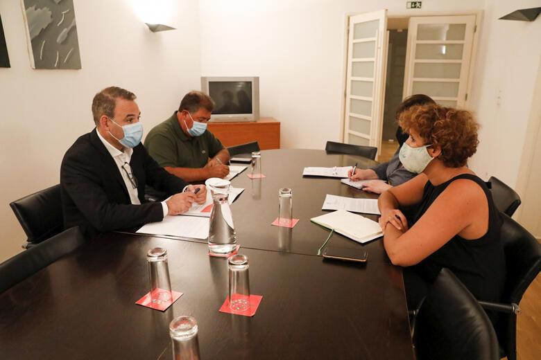Joaquim Santos em reunião com a secretária de Estado do Ambiente