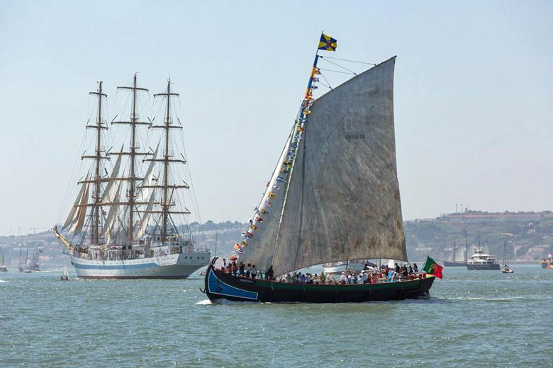 Varino «Amoroso» a navegar no Tejo
